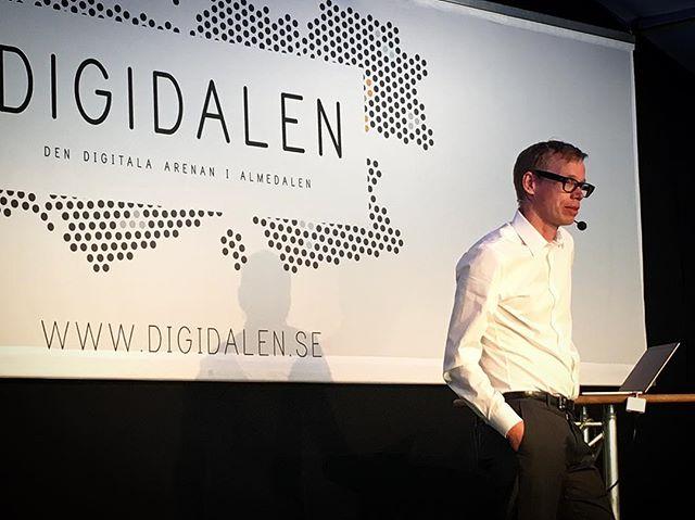 Årets sista inspiratör under seminarieserien Sveriges digitala resa, Tobias Degsell från Combiner #digidalen2017 #almedalen2017