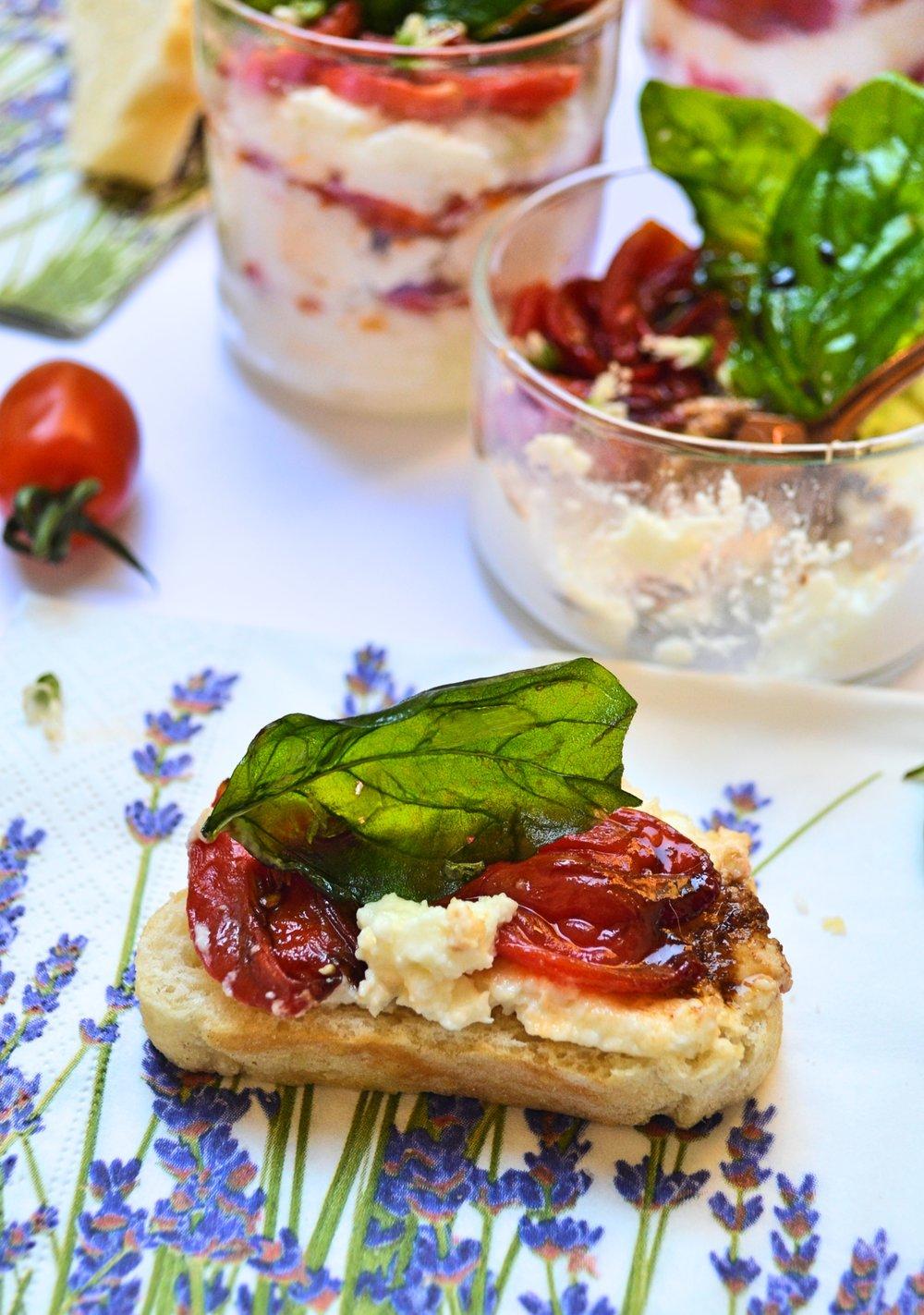 Крем от моцарела с домати конфи и чипс от босилек -