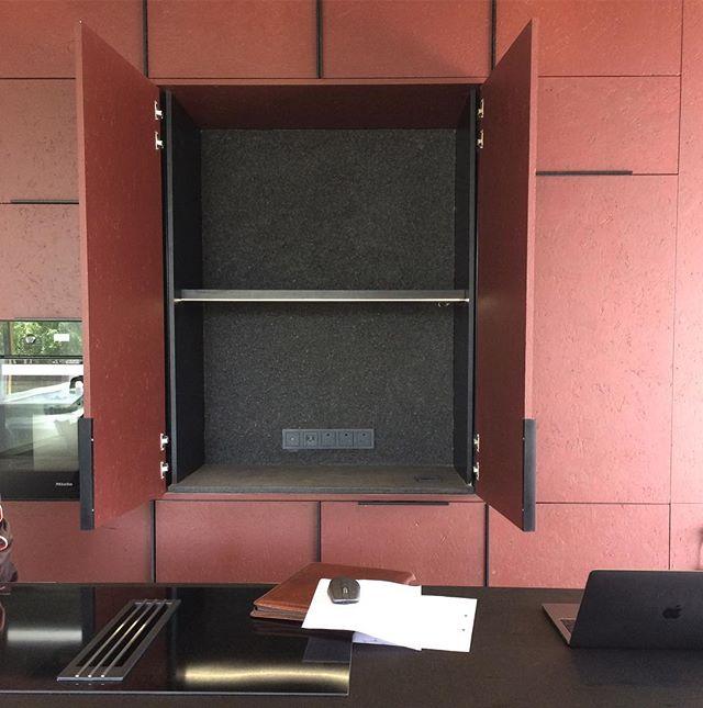 Our office today #joinerylighting #lightingdesign #knx #gira #bespokejoinery @klukcgdt
