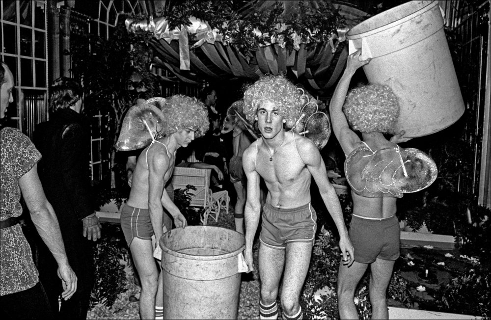 Studio54_photo03_AllanTannenbaum.jpg