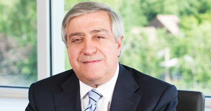 Dr. Sumner Slavin