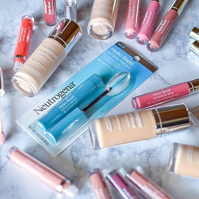 @neutrogena knocked it out of the park with their Hydro Boost makeup line. These products are packed with hydration which is perfect for someone like me who tends to get dry skin and lips during the winter months. I love wearing the Hydro Boost Hydrating Lip Shine because it provides the perfect amount of color and shine. Another one of my favorites is the Plumping Mascara. It makes my lashes instantly longer and they look so much fuller. If you've never tried Neutrogena's Hydro Boost makeup products, now is the perfect time to do so! They're on sale at @walmart until 1/15. Head to your local store to snag a bottle of Hydrating Tint or pamper your pout with the Hydrating Lip Treatment! Which @neutrogena Hydro Boost products would you like to try? Tell me in a comment below! 👇🏼#HydroBoost #gifted • • • • • #neutrogena #neutrogenamakeup #neutrogenahydroboost #makeupproducts #makeup #makeuplover #foundation #mascara #lipgloss #beauty #beautylover #beautyblogger #beautypr #skincare #skincareroutine #pretty #love #makeuplook#millennialblogger #michiganblogger #midwestblogger #millennialonthemove