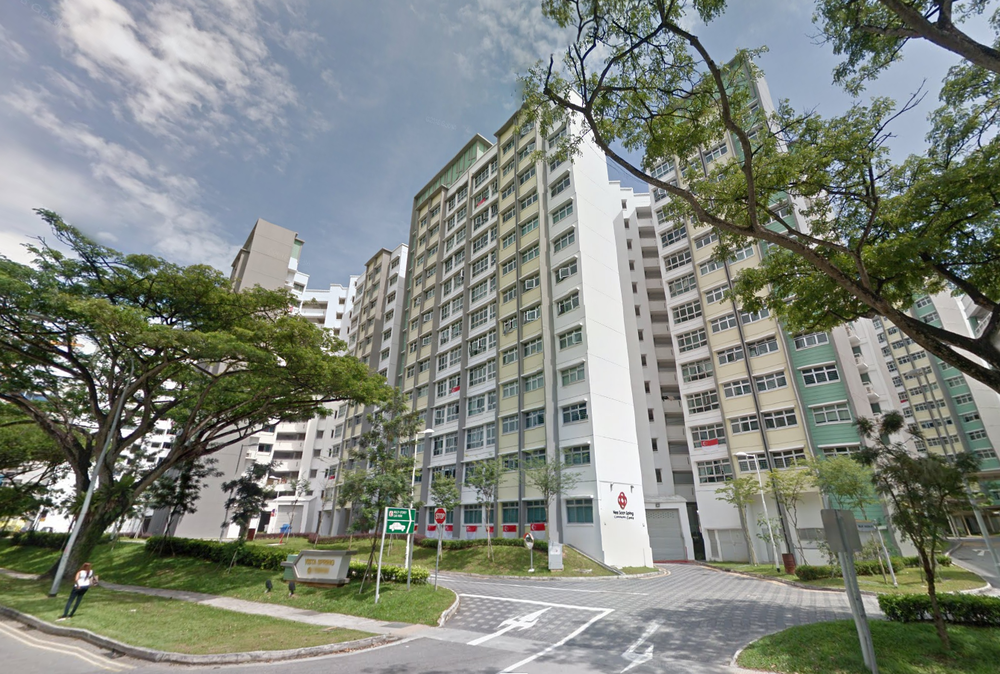 Yishun Ave  Man Parkours Down Into Neighbors Flat And Holds Them Hostage