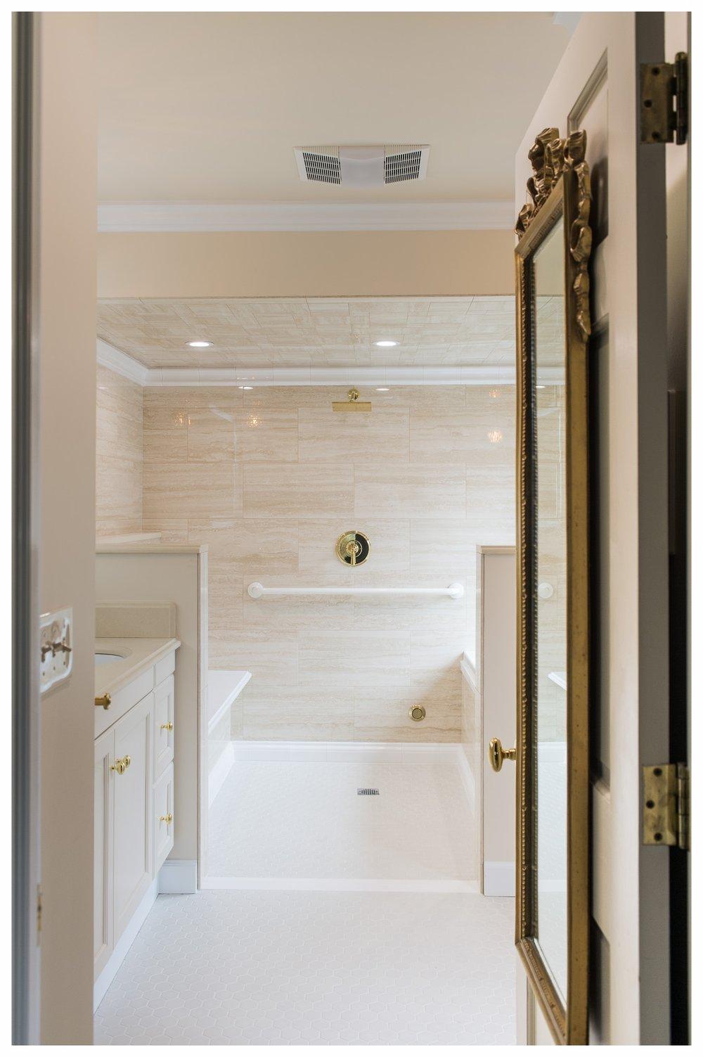 Steam Shower Spa Bath — Cloverleaf Design