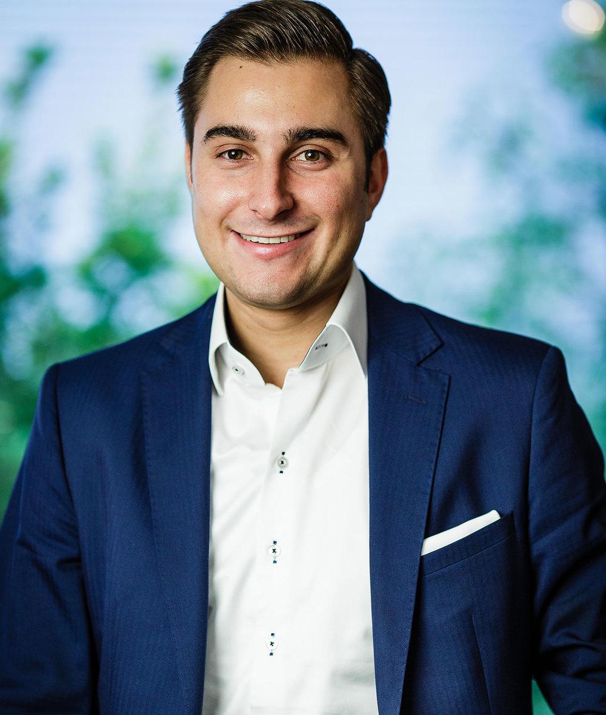 Falk W. Paschmann  Managing Director Edeka Paschmann   view Website >
