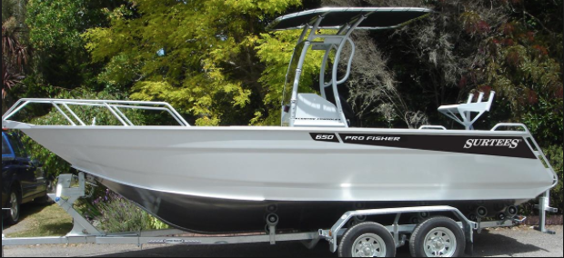We offer safe storing of your boat or trailers.