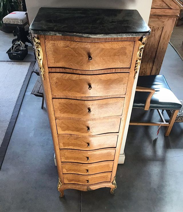 We love the way the light hits this vintage beauty. What a perfect size, too! . . . #oklahomainteriordesign #30ahome #antique #antiquefinds #vintage