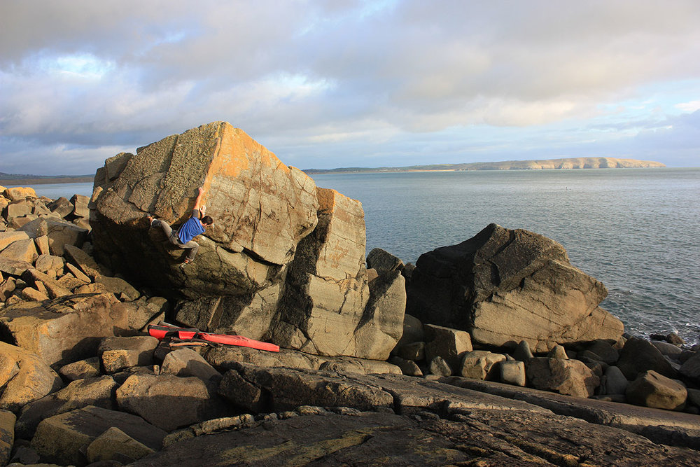 Owen Hayward on  Hang 'Em High  7a (V6) at Porth Nefoedd