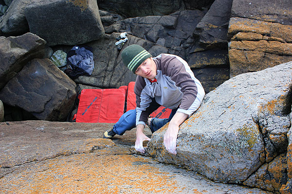 Simon Panton on  Atlantic Fin Groove  4c (V0+) at Porth Nefoedd. Photo: Jon Ratcliffe