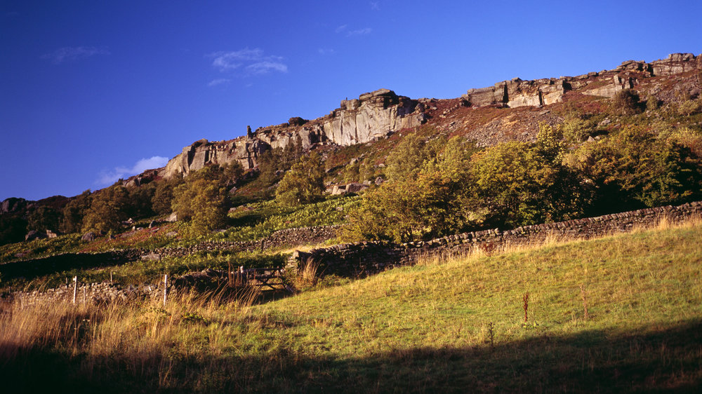 The view of Curbar Edge which greets you from the road. Peak District, UK. Photo: Dave Parry