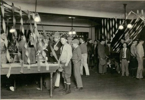 1913Artboard 19.png