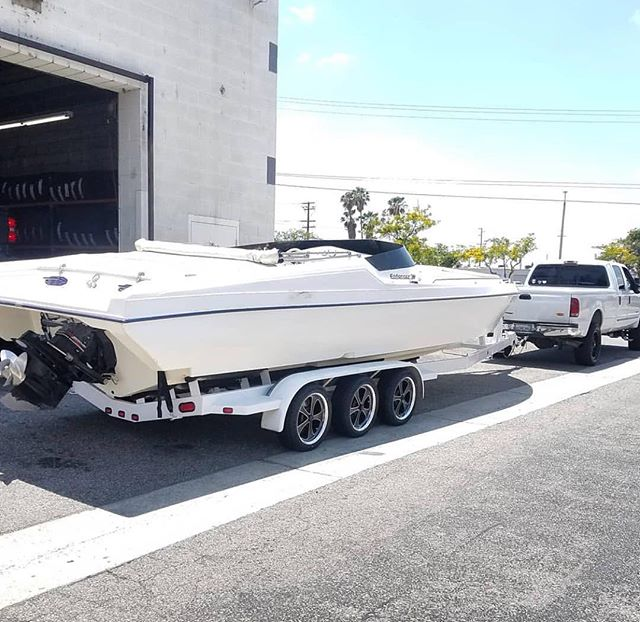 Ridler wheels on a boat trailer! 📸 @iwcmotorsports_tire_pros looks rad! #ridlerwheels #boat #boatlife #trailer