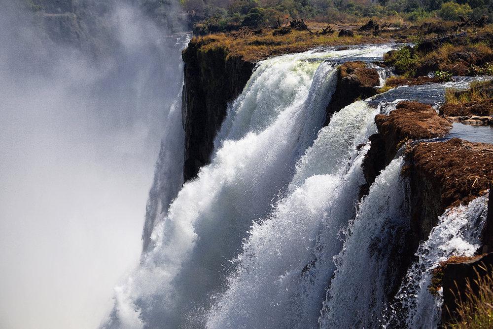 Victoria Falls 30X20.jpg