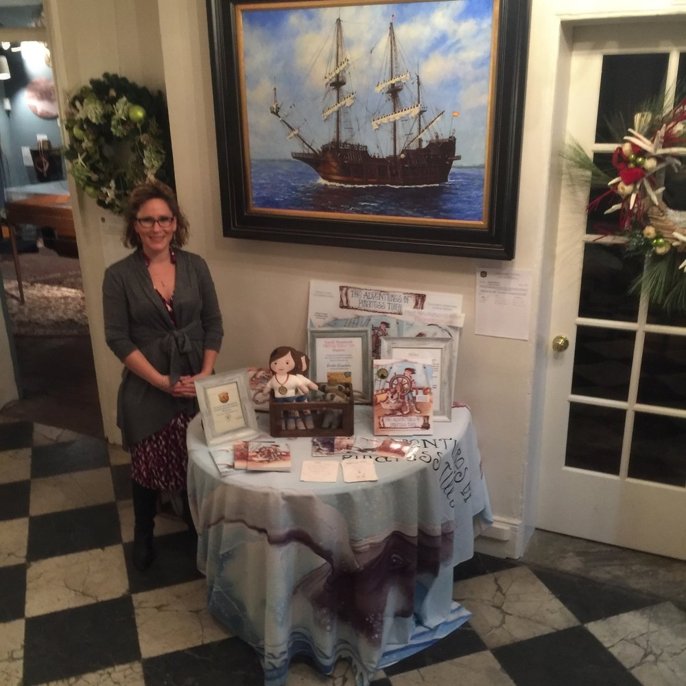 Elizabeth Lorayne at Newburyport's Custom House Maritime Museum in 2016