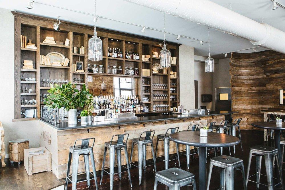 Leo_Designs_Chicago_interior_design_white_oak_tavern3.jpg