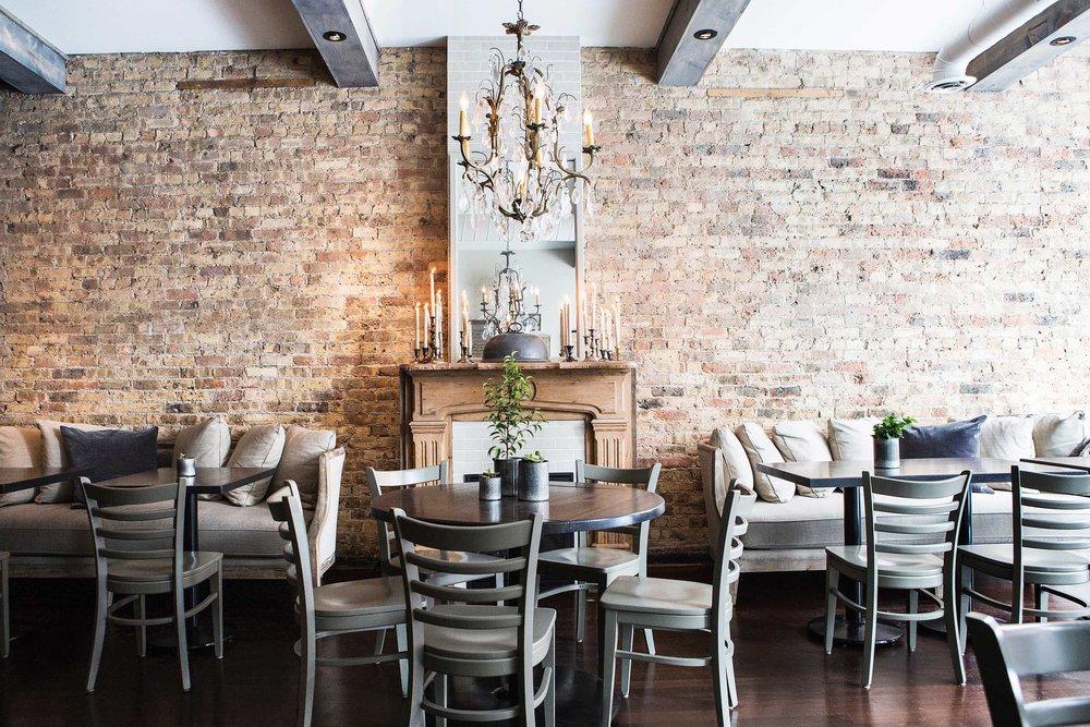 Leo_Designs_Chicago_interior_design_white_oak_tavern9.jpg