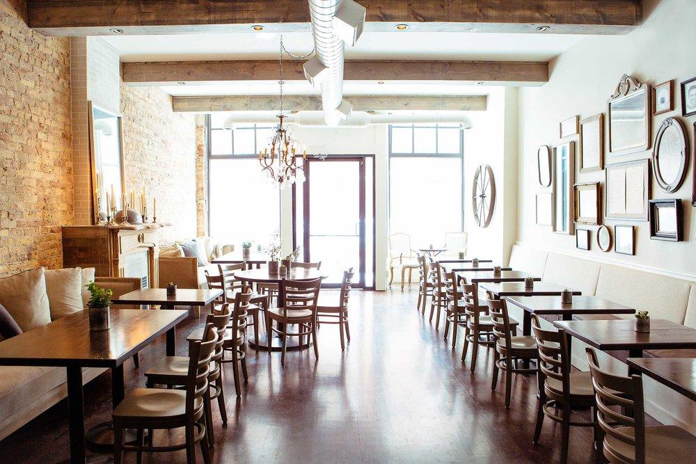 Leo_Designs_Chicago_interior_design_white_oak_tavern11.jpg
