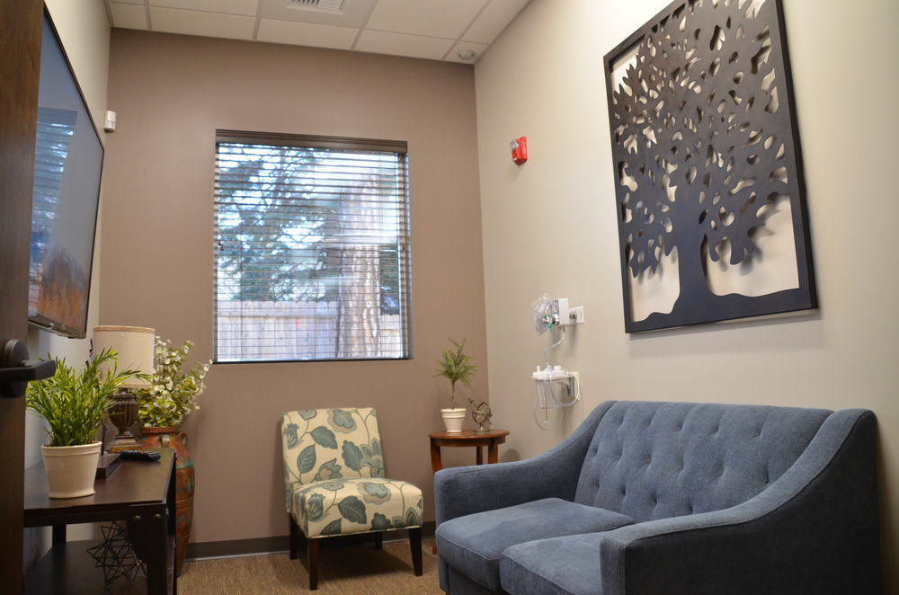 This is our custom-built recovery room we designed just for you. Whether you are recovering from wisdom teeth extractions, implants, or gum treatment, you will have a very comfortable place to recover and let any sedatives wear off before you go home.