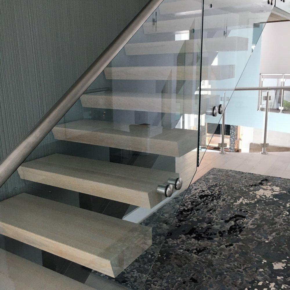 Attirant Oak Pointe Stair.com
