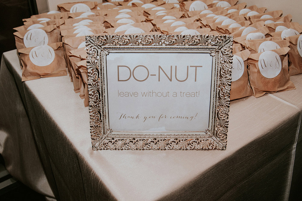 donut favor sign
