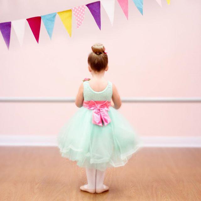 Dreaming of having our tiny dancers back in the studio soon! We can't wait for the new year to begin! . . . . . #danceclass #dancestudio #danceteacher #balletclass #tinydancer #weismanncostumes #weismanns #tutu #ballerina #brookfieldwisconsin #dance #studio #tippytoes #tippydance #pinkbow