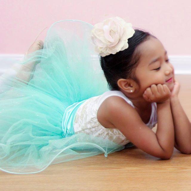 Sweet ballet friends! . . . . . #danceteacher #friends #like4like #girls #bestfriend #pink #ballet #tinydancer #curriculum #cute #pretty #weismanncostumes #tutu #danceclass #studioowner