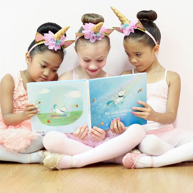 ✨GIVEAWAY!✨ 2x Unicorn Ballet Camp Curriculum Guides! 🦄 ——————————- 4 Ways to Enter - each counts as an entry so do all three for 4 entries!  1.  Follow us on Instagram! 2.  Comment on this post and tag a dance teacher friend! 3.  Share this Post! 4.  Follow us on Facebook! https://www.facebook.com/tippydance/ ——————————— Winners Chosen July 6th!  #giveaway #free #entertowin #chancetowin #ballet #unicorn  #cute #beautiful  #pink #bestfriend #dance #tinydancer #danceteacher