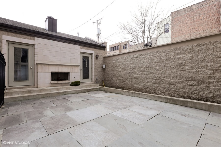 26_1437WestLexingtonSt_85_Patio_LowRes.jpg