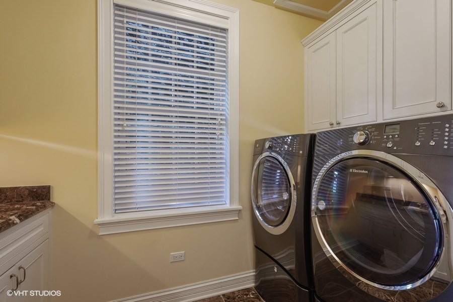 26_2030NDaytonStreet_44_LaundryRoom_LowRes.jpg