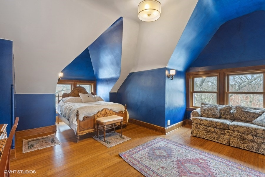 33_4950SWOODLAWNAvenue_161_4thBedroom_LowRes.jpg