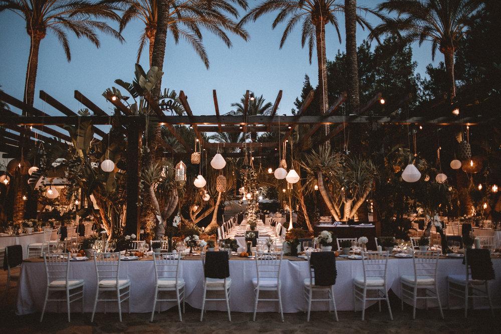 wedding table inspiration, wedding lighting