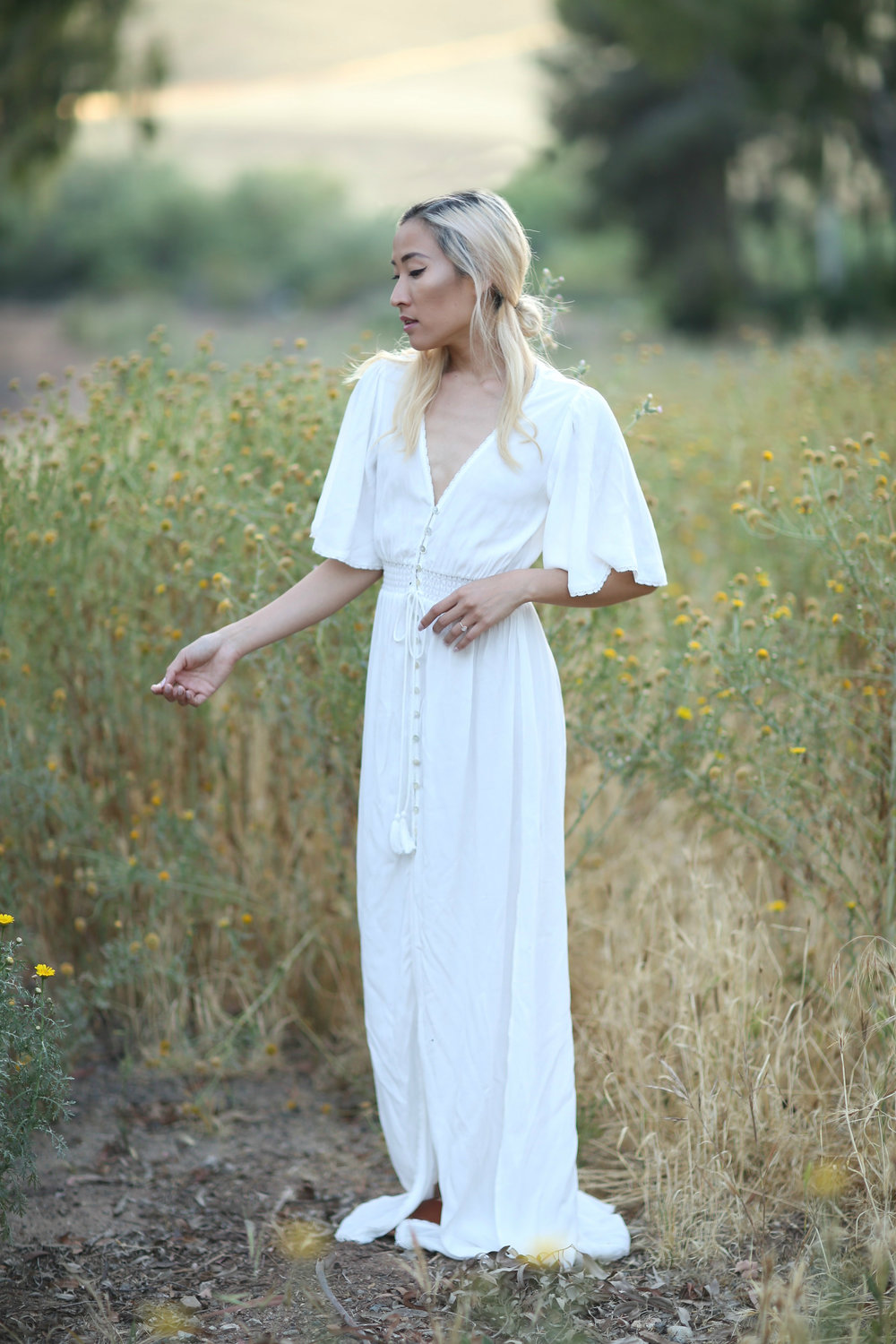 Styling a White Summer Maxi Dress 3 Ways & Casual Wedding Dress ...