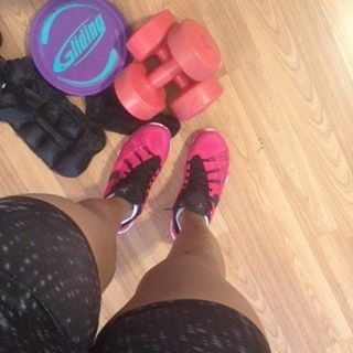 Leg day people! I'm about to put these thangs to werk! #getsexyandsweat #legday