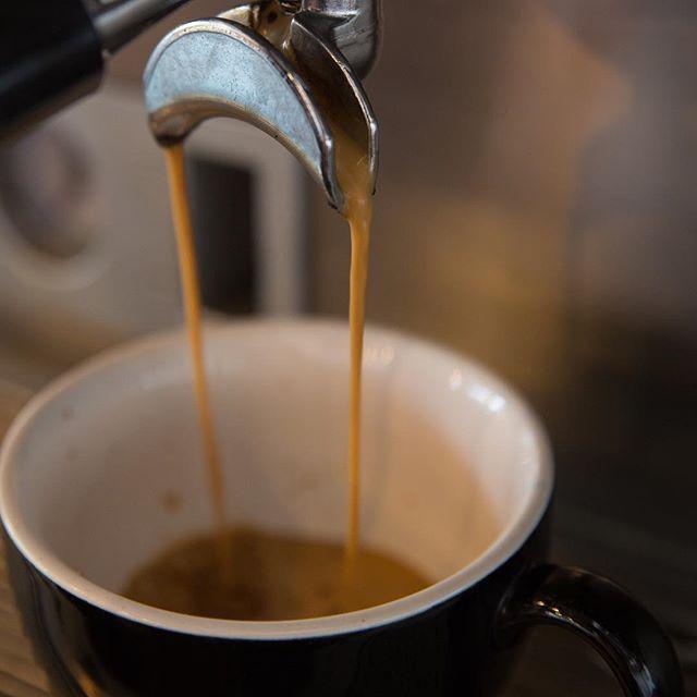 Pour it up. Pour it up. : : : #HappyHumpDay