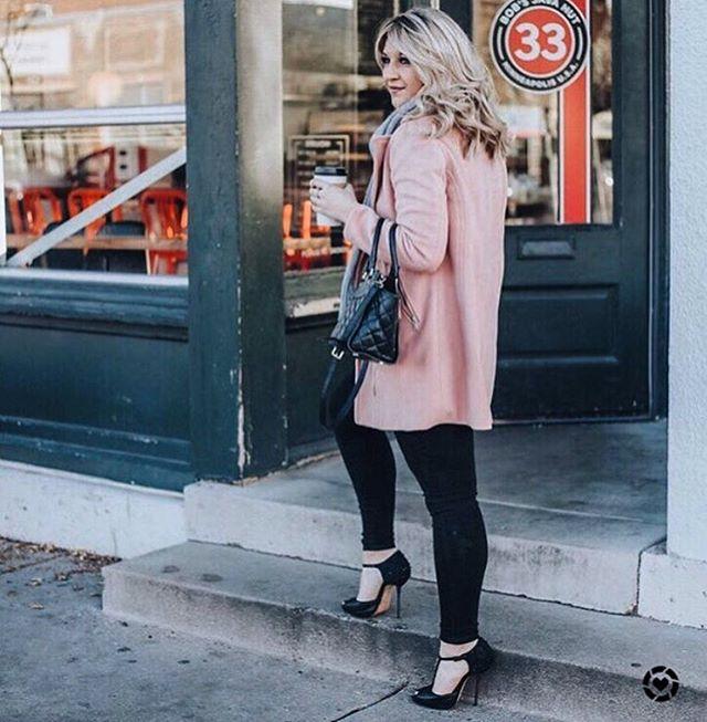 #bobsjavahut a stylish destination ☕️ #bobsregulars #coffeestyle #mplscoffee #uptownwhittier #coffeeaddict #coffeelovers