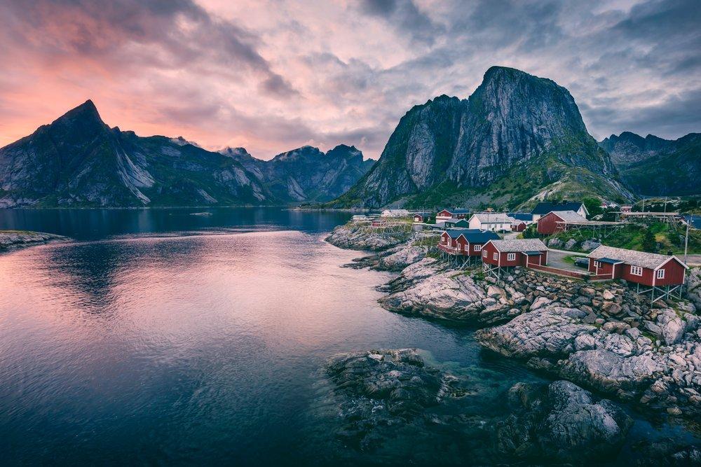 Hamnøy, Norway (@ygar)