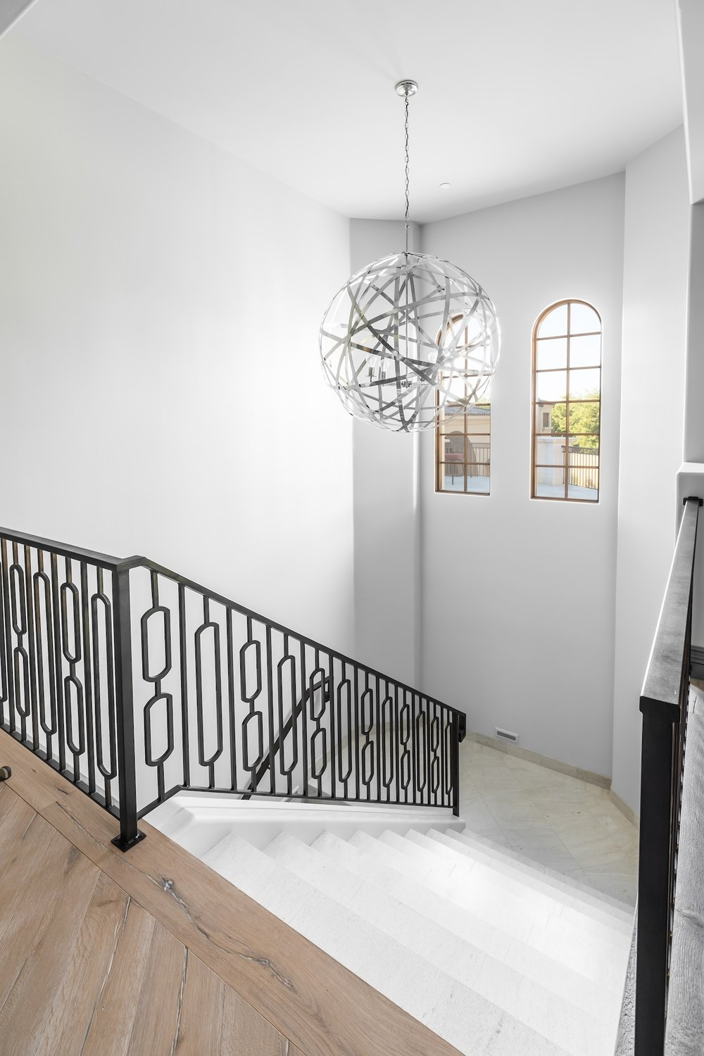 CONTEMPORARY STEEL RAILING 12