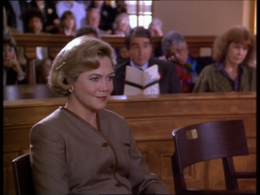 Serial-Mom-kathleen-turner-31148920-1600-1200.jpg