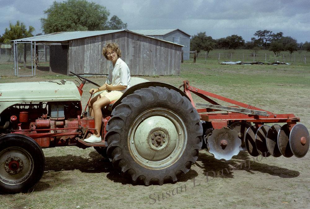 sld-tractor-1500-w.jpg