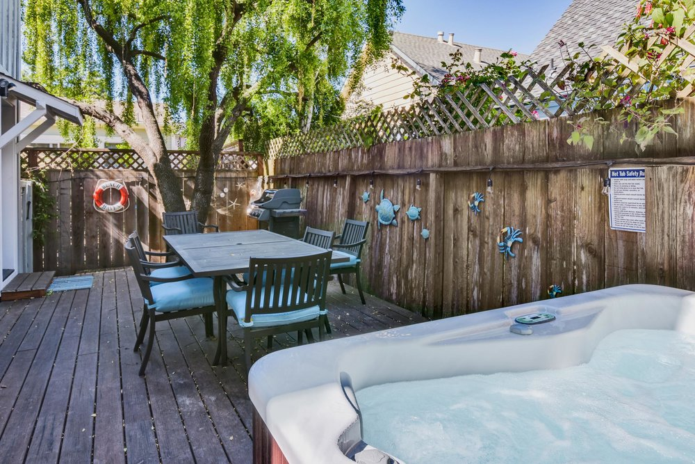 NEW: New deck with private hot tub, outdoor dining and gas Weber barbecue.