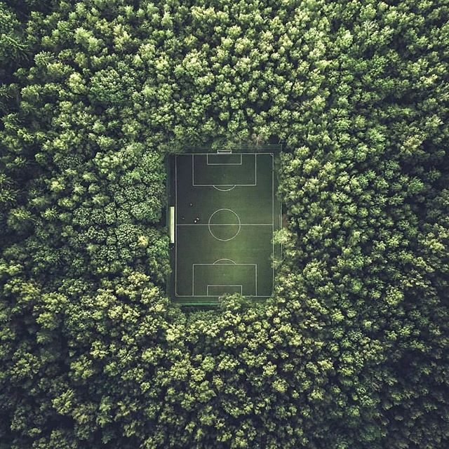 A lone soccer field in the middle of the woods in Moscow, Russia. Any space can be turned into an amazing place for an event. I know I would travel around the world to watch a game in this place! Would you?  #InternationalInspiration #WorldEvents  Photograph via imgur.com/gallery/EdN0AAA  Instagram Takeover #BostonUniversity #BUhospitality #inspirationiseverywhere  #inspoeverywherebu @bananahank
