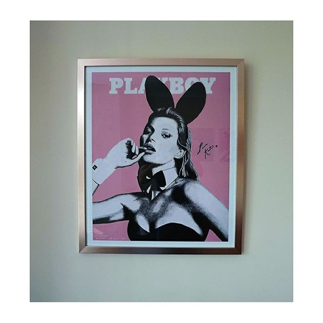Another one of my 308gsm Kate Moss Playboy prints and special rose gold frame combo on their way to a client.  This time winging their way to Australia ✈ . There's still time to get your limited edition Kate Moss print in time for Christmas.  You can also use discount code ISAFB10 for 10% off.  Online stores: http://www.iansalmonart.com https://www.etsy.com/uk/shop/IanSalmonArt . . . . . . . . . . . . . . . . . #katemossstyle #katemosslipstick #restingbitchface #katemoss #katemossisboss #katemossart #playboyart #playboy #artstudio #artoninstagram #artsy #commissionedartist #artforsale #artfido #nawden #worldofpencils #liquidacrylic #limitededition #artistsoninstagram #etsycreations #etsyart #iansalmonart #iansalmon #artbasel #creativeart #creativeminds