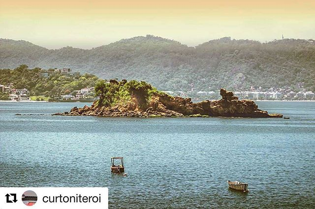 #Repost @curtoniteroi with @repostapp ・・・ Praia de Icaraí 💛 📸 @quinhooliveirafotos  Tem fotos da cidade? Compartilhe com a hashtag #curtoniteroi 😊 #praiadeicarai #praiadasflexas #icarai #riodejaneiro