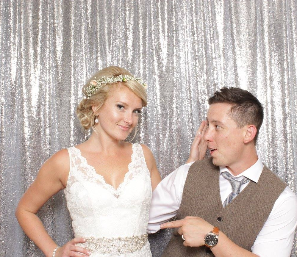 WEDDING PHOTOBOOTH SHOT