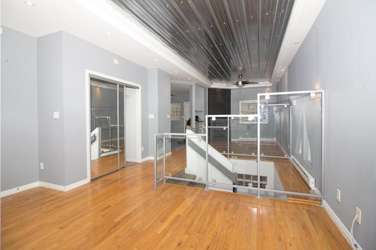 109Clarke_LivingroomFront.jpg
