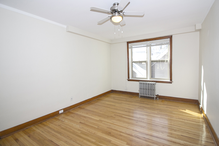 Unit10_1BDR_Livingroom_Pic1.jpg