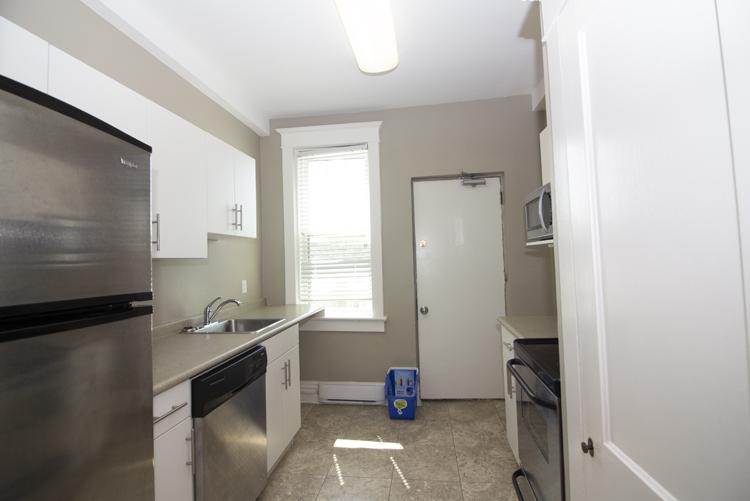 Kitchen_v3.jpg