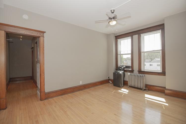 Living Room_v1.jpg
