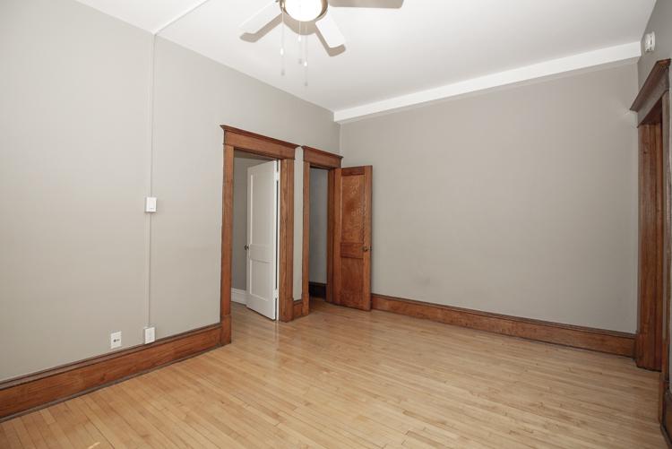 Living Room_v5.jpg