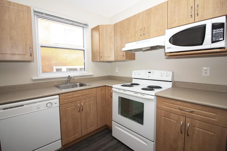 579 Broadway Avenue - Kitchen Pic 1 - Suite 15.jpg